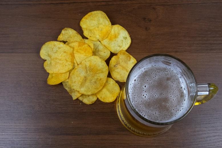 можно ли пить пиво с чипсами