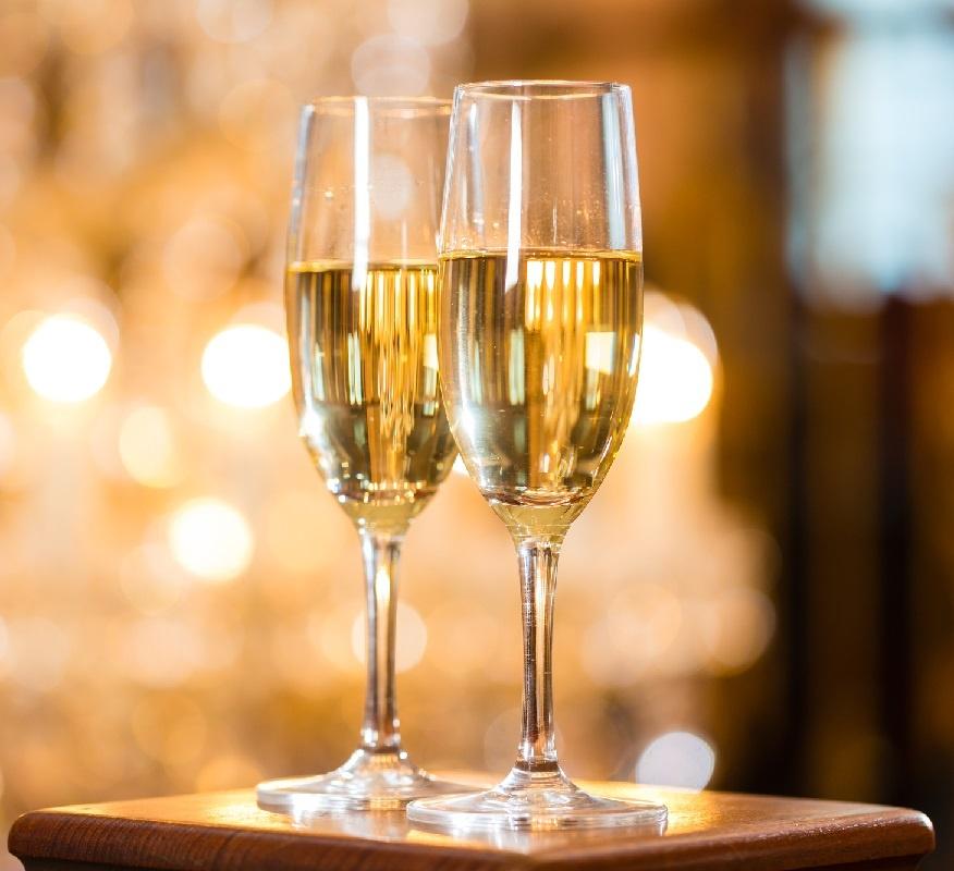 фото бокала для шампанского и других игристых вин