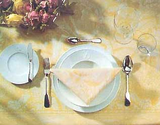 http://alcofan.com/wp-content/uploads/2012/02/servirovka-stola-s-vinom.jpg