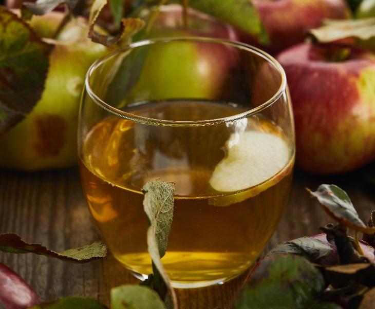 фото виски и яблочного сока