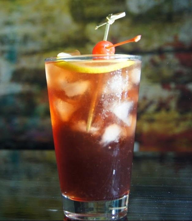 фото виски, разбавленного вишневым соком