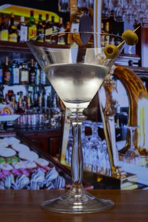 фото коктейля водкатини (мартини с водкой)