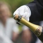открыть бутылку шампанского