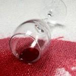 отстирать красное вино