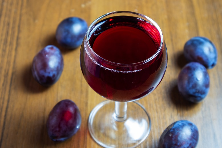 фото тернового вина