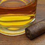 фото виски с сигарой