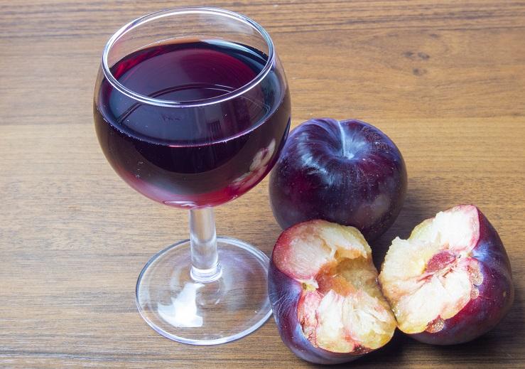 фото домашнего вина из слив