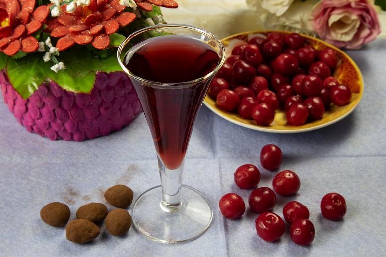 домашний вишневый ликер фото