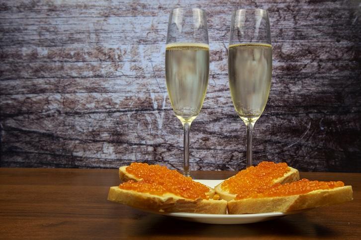 фото красной икры и шампанского