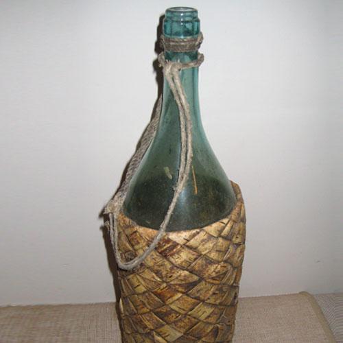 стякляный бутыль под брожение вина