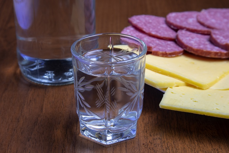 как безопасно пить спирт