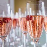 фото розового шампанского в бокале