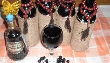 фото домашнего вина из черноплодки