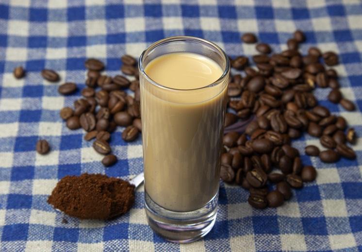 Кофейный ликер со сгущенным молоком фото