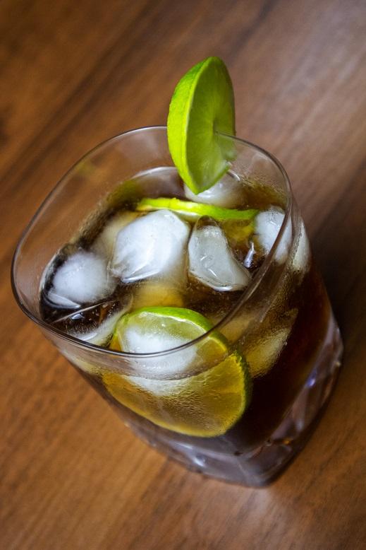фото алкогольного коктейля ром кола
