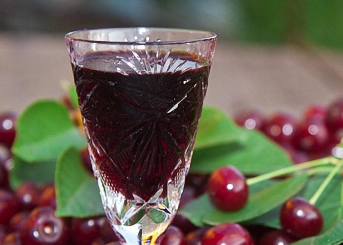 фото домашней вишневой наливки без водки