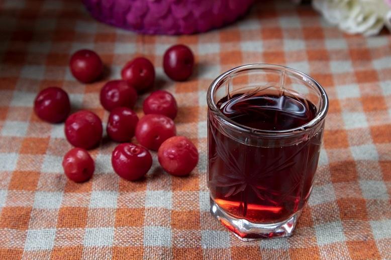домашняя вишневая наливка с водкой
