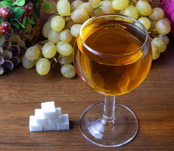 как правильно добавлять сахар в домашнее вино