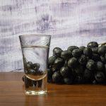 фото самогона из винограда