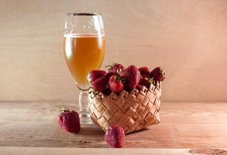 домашнее клубничное пиво