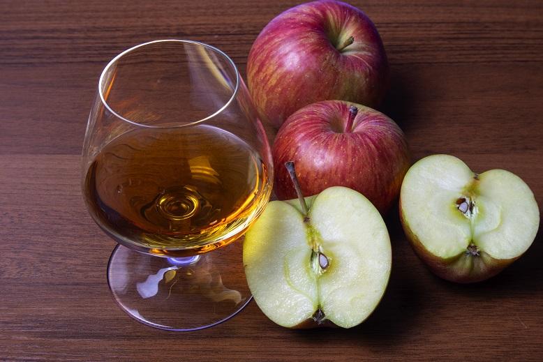 фото настоящего кальвадоса из яблок