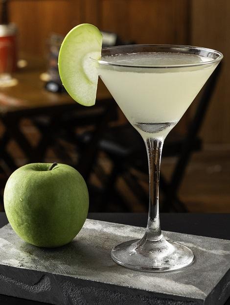 фото домашнего яблочного мартини с соком