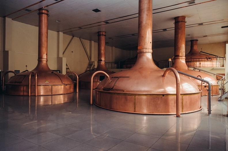 емкости для варки сусла на пивзаводе