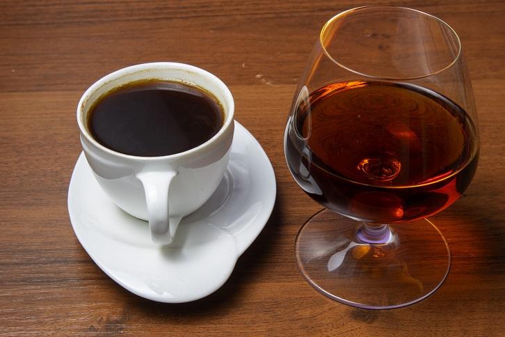 фото как пить кофе с коньяком