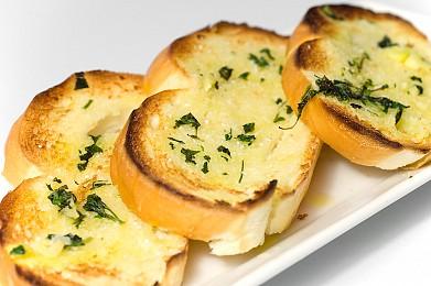 чесночный хлеб (фото)