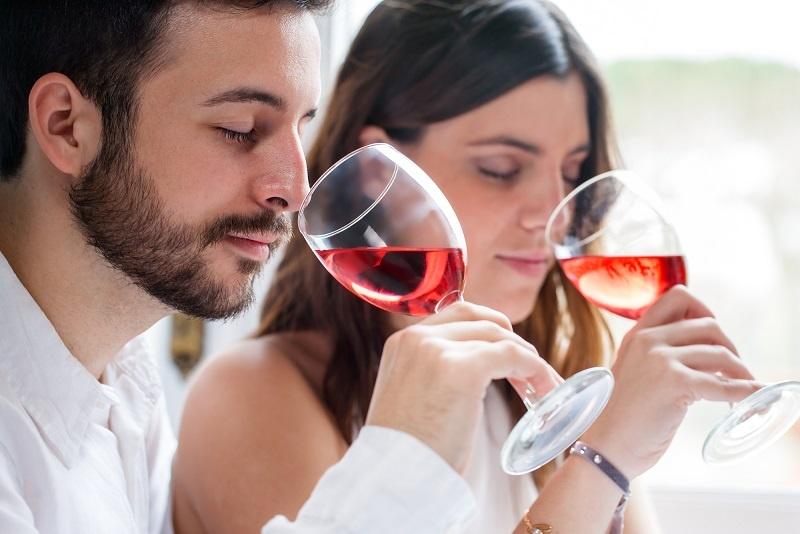 фото как нужно пить вино