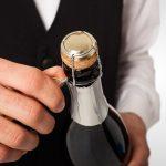 фото как правильно открывать шампанское