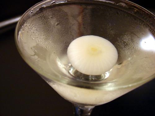 мартини и долька лука