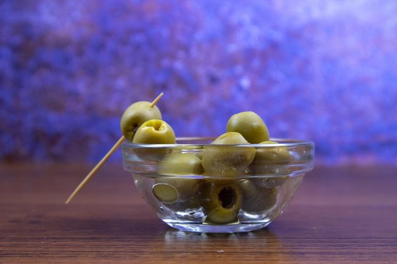 оливки как закуска к мартини