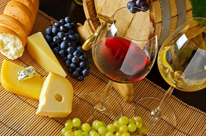 с чем можно пить вино