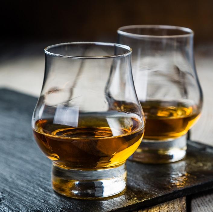 фото стакана для виски гленкерн