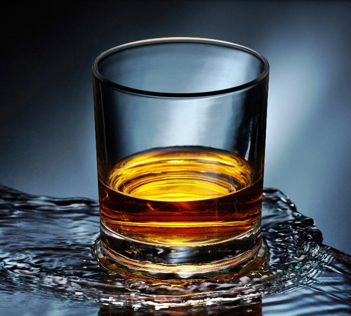 фото виски с водой