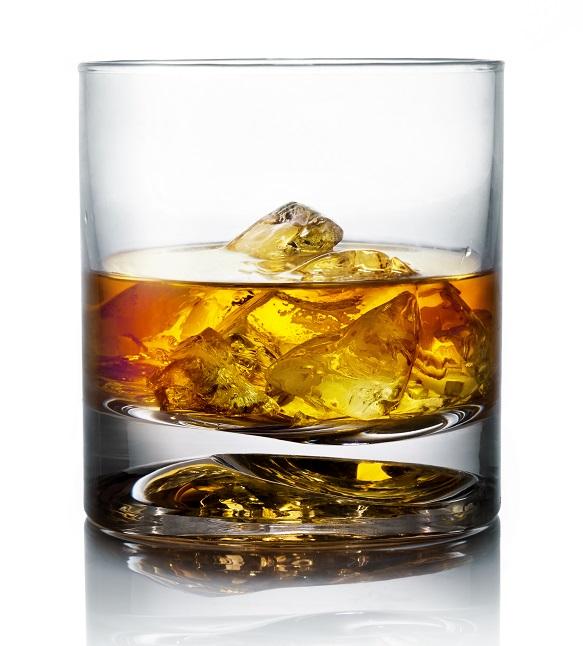 фото бокала для виски тумблер