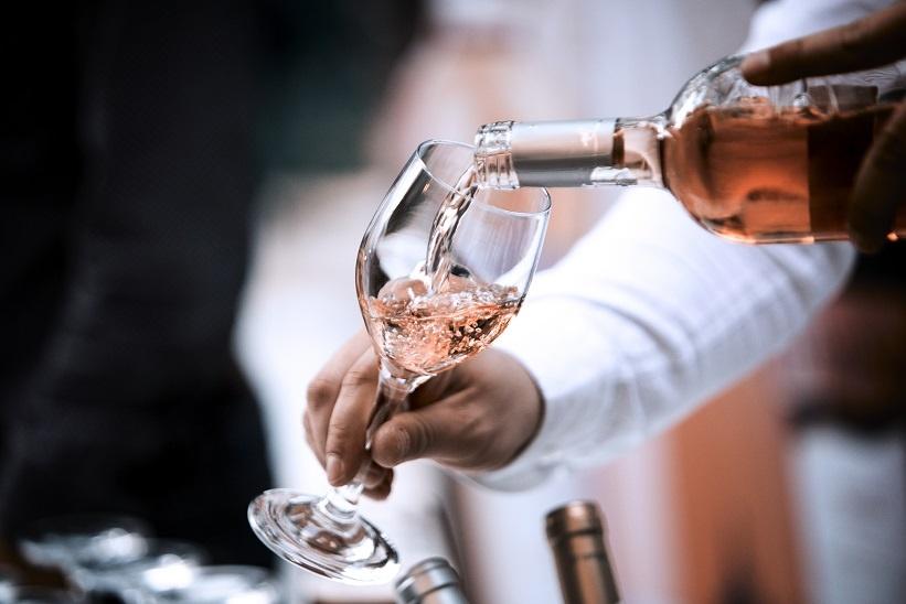 фото бокалов для розового вина
