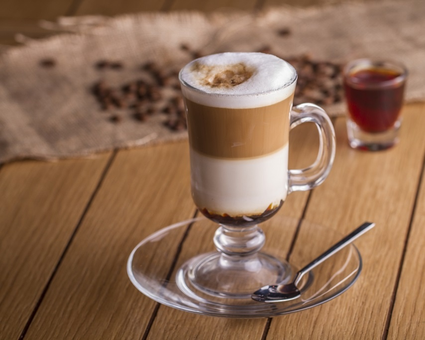 кофе латте с ликером Бейлис
