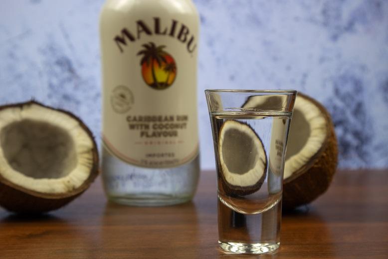 фото как правильно пить ликер малибу