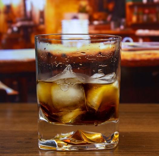 фото коктейля черный русский