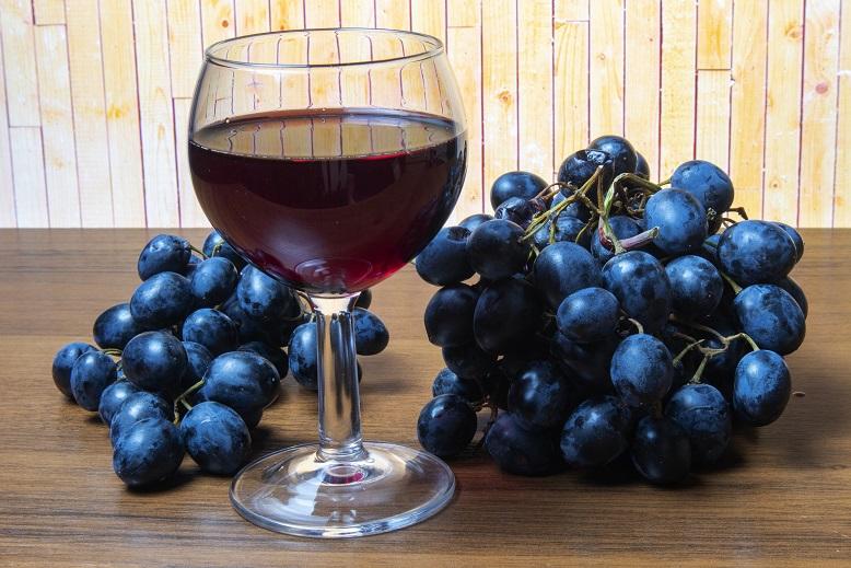 фото домашнего сухого виноградного вина