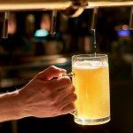 как нужно наливать пиво в бокал