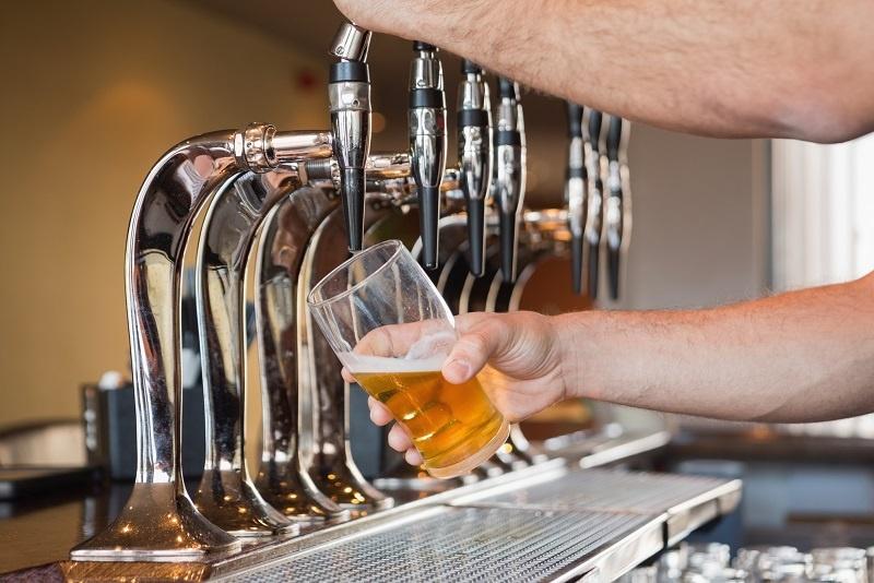 фото как правильно наливать пиво из кеги
