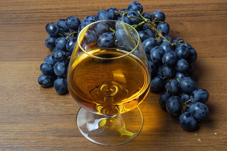 фото домашнего коньяка из винограда