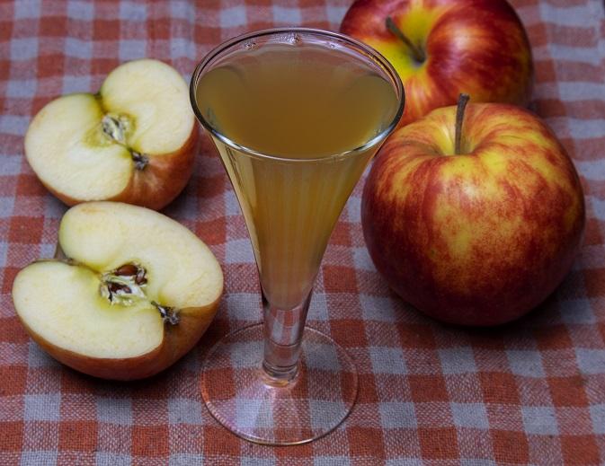 фото домашнего ликера из яблок