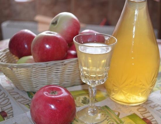Как сделать яблочную наливку
