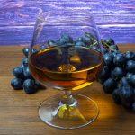 фото настоящего коньяка из винограда, сделанного в домашних условиях