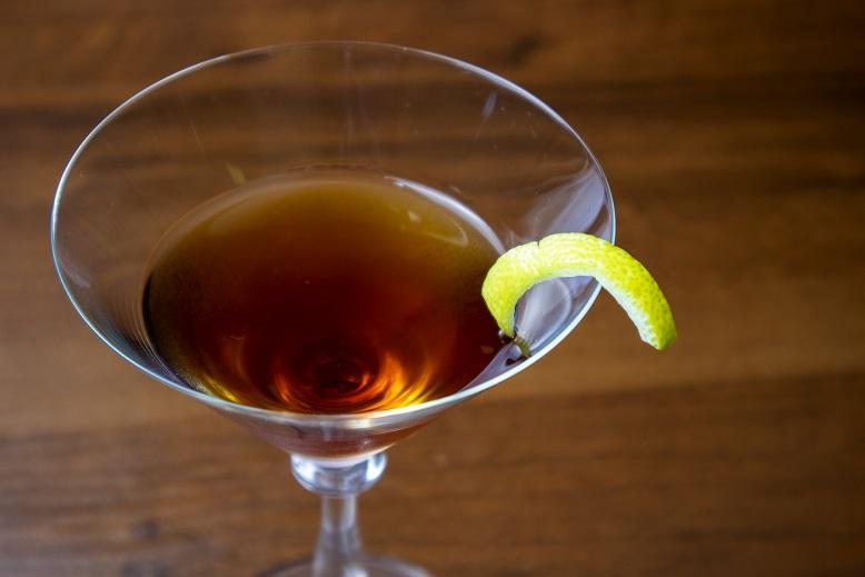 фото алкогольного коктейля Манхэттен