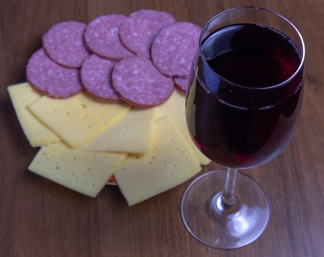 фото домашнего виноградного вина после выдержки